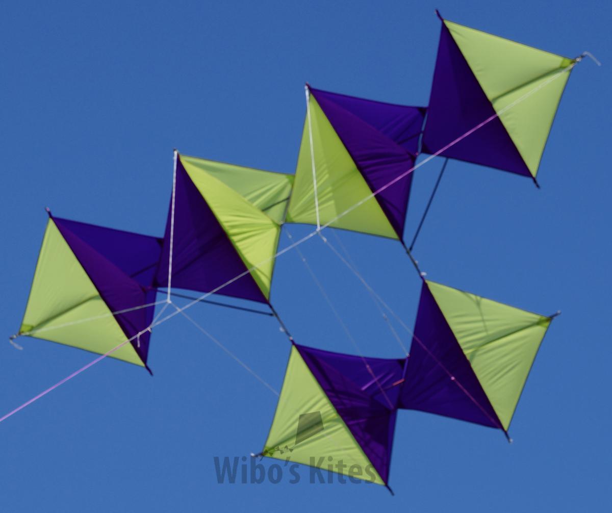 kite singles Begynder sektion masser af videoer lige fra oprigning og opsætning af kite, til vilde tricks som blind, airpass & 540 forlæns rotation tailgrab.